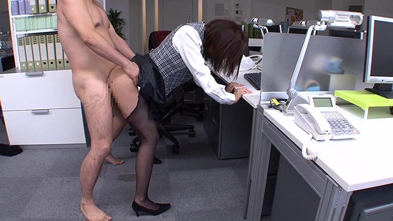 昼間っからオフィスで…働く美女と性交 2 休日出勤してでも…職場で着衣挿入 4時間