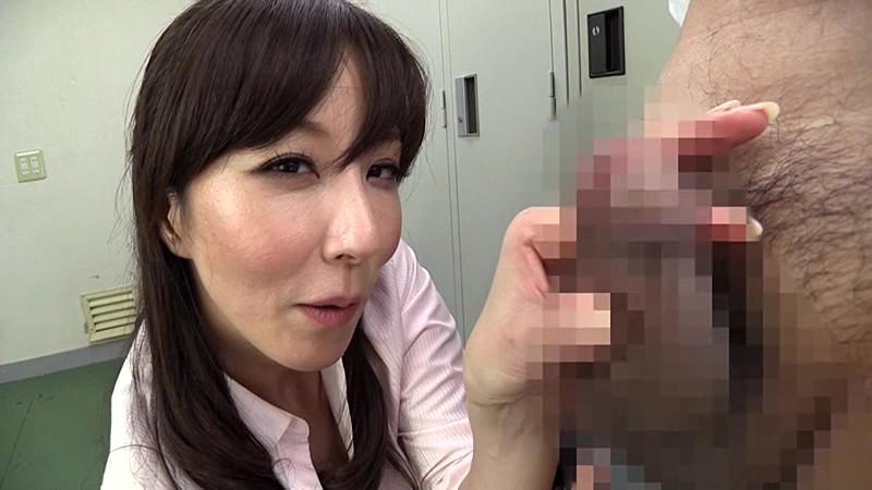 下品なガニ股美脚 澤村レイコ