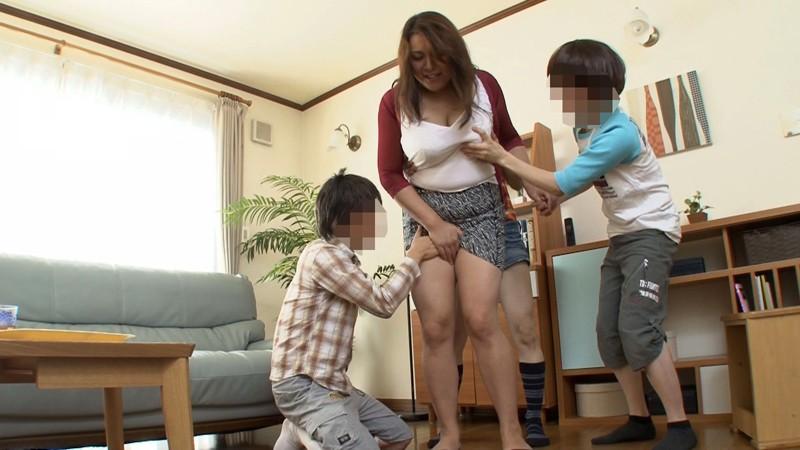 生中出し!ショタ人妻監禁ごっこ Kカップ奥さん 叶紀美子