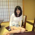 上京してきた神戸の美乳お嬢様 「エッチなことをイッパイしたいんですけど、友達や知り合いには絶対言えないし…だから初めて会う人に思いっきり慰めてもらうことにしたんです…」 今井初音