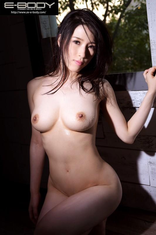 絶頂81回!!元アイドル妻の激イキ!初体験セックス 能美ちなつ