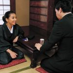 喪服とギャルママ 通夜の夜和尚さんが「お布施はお気持で…」と言うので股を開いていたウチのギャル嫁 松本メイ