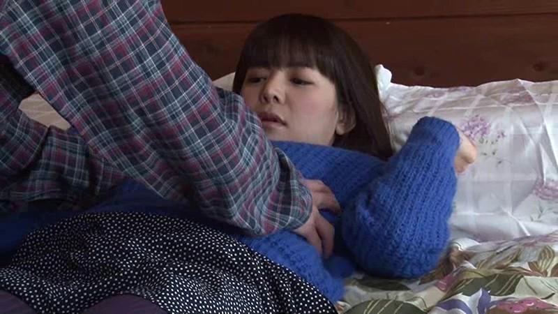 ミッション系の進学校に通うものの、残念な家庭環境のクォーター娘は 三度(みたび)犯される 橋本怜奈