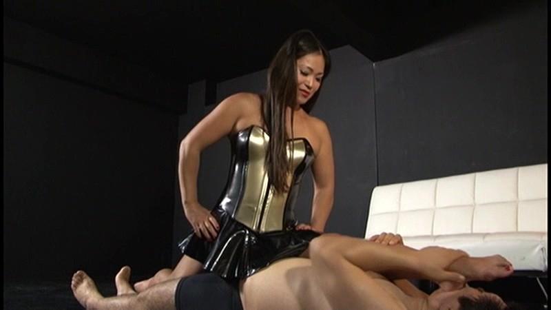 軟体女王の超太腿絞め肉体調教 すみれ