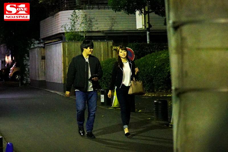 盗撮リアルドキュメント!密着52日、吉沢明歩のプライベートを激撮し、偶然を装って二度に渡り近づいてきたイケメンナンパ師に引っ掛かって、SEXまでしちゃった一部始終